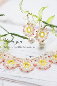 花飾りのネックレス&ピアス・モチーフアップ